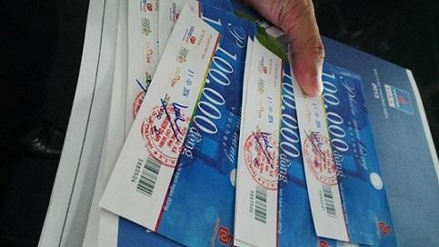Cổ đông dự đại hội được nhận quà tiền triệu - Ảnh 1