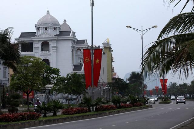 Những lâu đài ở phố nhà giàu bậc nhất Quảng Ninh - Ảnh 3