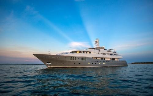 Chiêm ngưỡng siêu du thuyền giá thuê gần nửa triệu đô/tuần - Ảnh 1