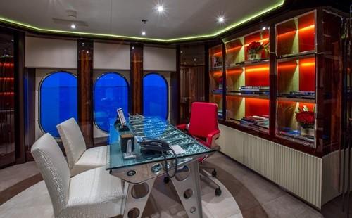 Chiêm ngưỡng siêu du thuyền giá thuê gần nửa triệu đô/tuần - Ảnh 12