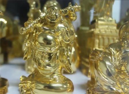 Đại gia Việt rộ mốt dát vàng cho biệt thự - Ảnh 3