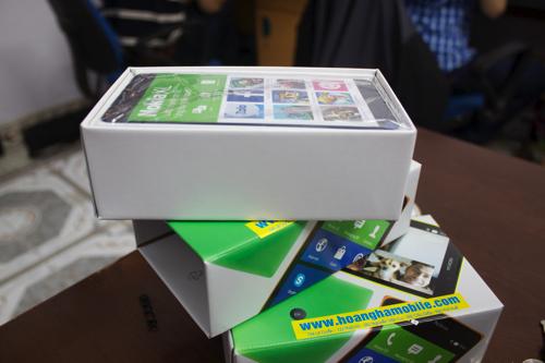 Đập hộp Nokia XL chính hãng bắt đầu bán tại Việt Nam - Ảnh 1