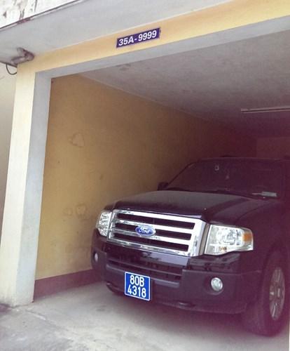 Cận cảnh xe khủng Ford Expedition của GĐ Công an Ninh Bình - Ảnh 8