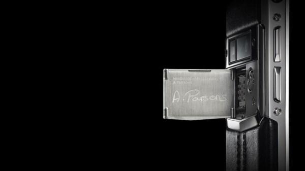 Ngắm điện thoại sang chảnh của Vertu với giá 240 triệu đồng - Ảnh 7
