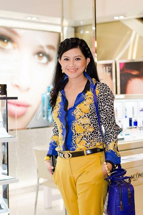 Nữ đại gia đẹp và hot hơn cả hoa hậu ở Việt Nam - Ảnh 1