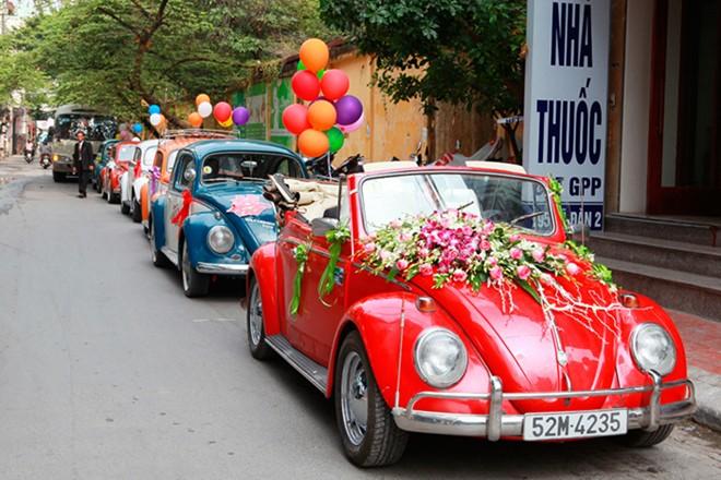 Rộ mốt thuê xe cổ tiền tỷ chụp ảnh cưới, rước dâu ở Sài Gòn - Ảnh 8