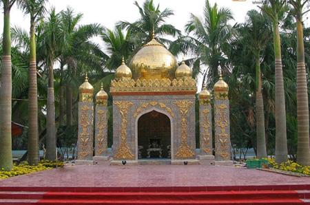 Sững sờ nhà giàu Việt Nam mang đống vàng ra dát nhà - Ảnh 11