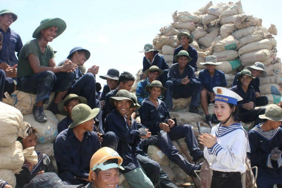 Bài dự thi: Trường Sa – Tổ quốc nơi đầu sóng - Ảnh 10