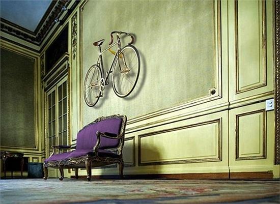 Chiếc xe đạp dát vàng, nạm 600 viên pha lê giá... 2 tỷ đồng - Ảnh 2