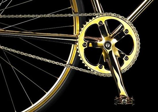 Chiếc xe đạp dát vàng, nạm 600 viên pha lê giá... 2 tỷ đồng - Ảnh 4
