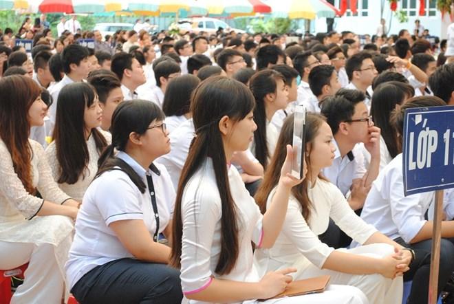 Ngắm nữ sinh trường Đoàn Thị Điểm rạng rỡ ngày khai giảng - Ảnh 13
