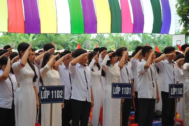 Ngắm nữ sinh trường Đoàn Thị Điểm rạng rỡ ngày khai giảng - Ảnh 16