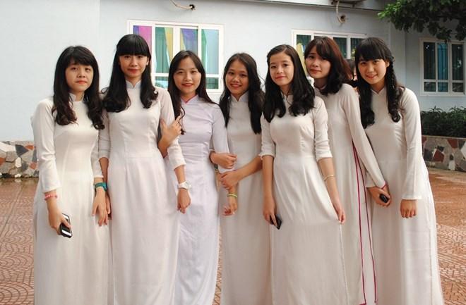 Ngắm nữ sinh trường Đoàn Thị Điểm rạng rỡ ngày khai giảng - Ảnh 4
