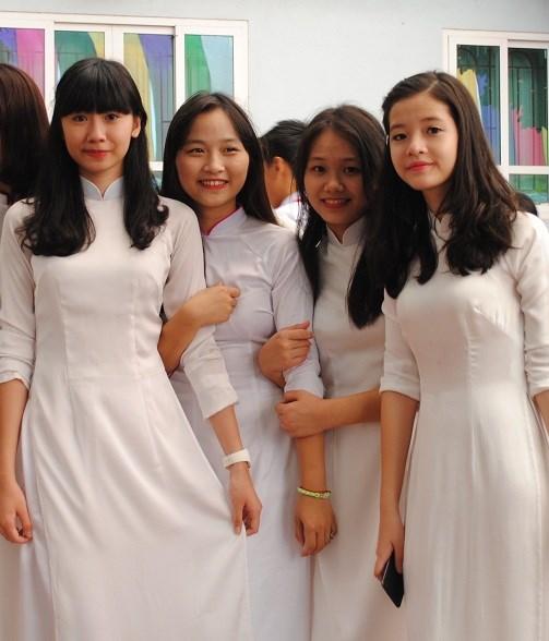 Ngắm nữ sinh trường Đoàn Thị Điểm rạng rỡ ngày khai giảng - Ảnh 8