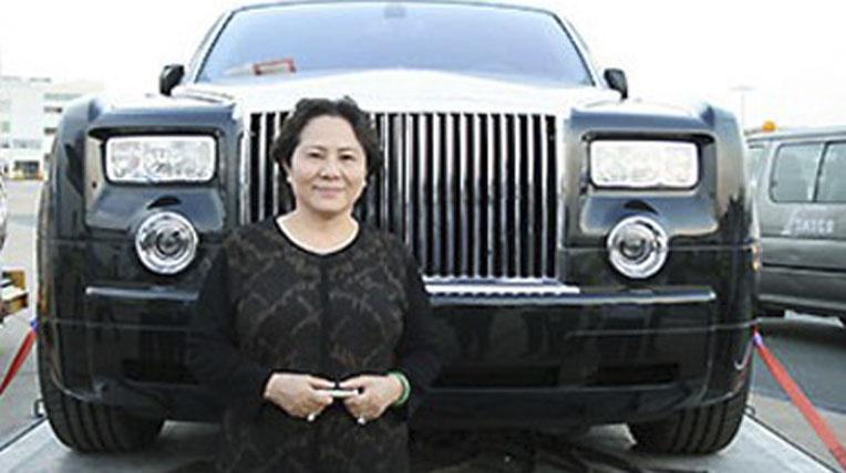 """""""Điểm mặt"""" 4 nữ đại gia Việt đi Rolls–Royce biển """"khủng"""" - Ảnh 8"""