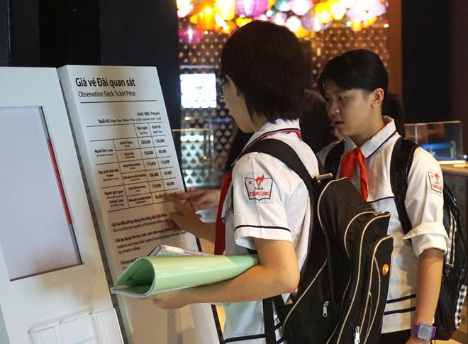 Tòa nhà cao thứ 2 Việt Nam cũng bắt chẹt khách nước ngoài - Ảnh 3