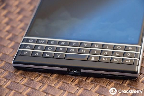 Mãn nhãn với BlackBerry Passport đậm chất BB - Ảnh 12