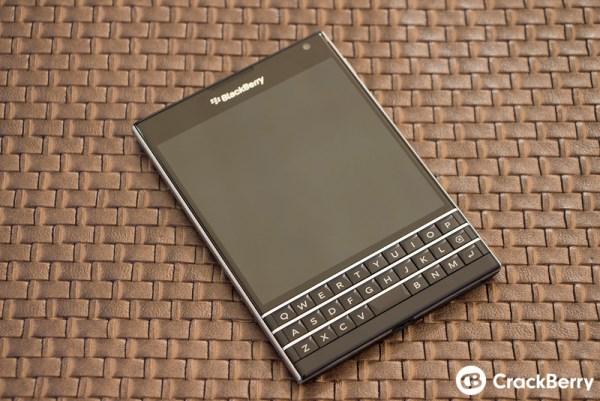 Mãn nhãn với BlackBerry Passport đậm chất BB - Ảnh 2