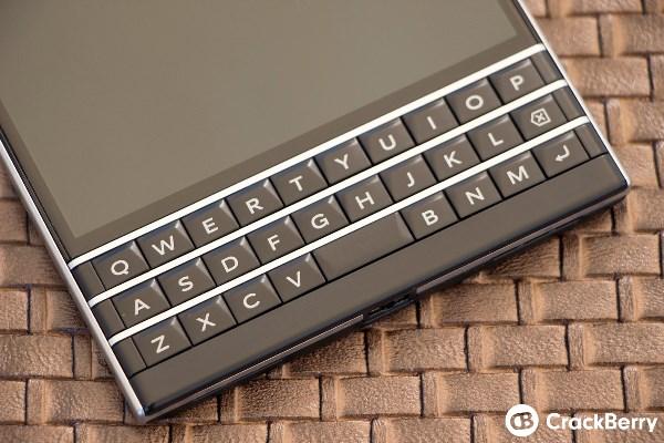 Mãn nhãn với BlackBerry Passport đậm chất BB - Ảnh 4