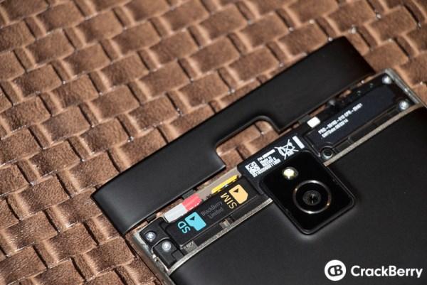 Mãn nhãn với BlackBerry Passport đậm chất BB - Ảnh 9