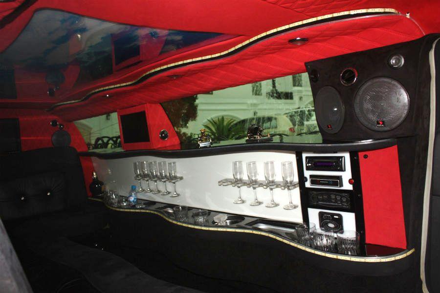 Đại gia đi siêu xe Limousine gần 9m từng đạp xích lô - Ảnh 4