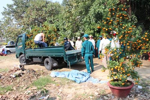 Chùm ảnh: Người dân Đà Nẵng khóc thương ông Nguyễn Bá Thanh - Ảnh 14