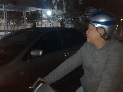 Người dân Đà Nẵng khóc thương ông Nguyễn Bá Thanh giữa đêm - Ảnh 3