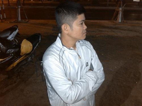 Người dân Đà Nẵng khóc thương ông Nguyễn Bá Thanh giữa đêm - Ảnh 4