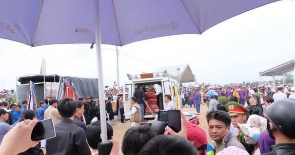 Ông Nguyễn Bá Thanh đã về với lòng đất mẹ - Ảnh 23