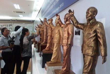 Mẫu tượng đài Chủ tịch Hồ Chí Minh mang vẻ thanh cao, giản dị - Ảnh 1
