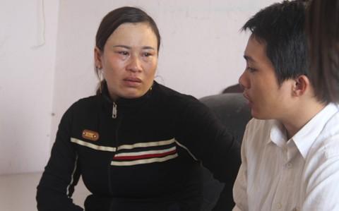 Mẹ tố công an đánh con trai bại liệt hai chân - Ảnh 1