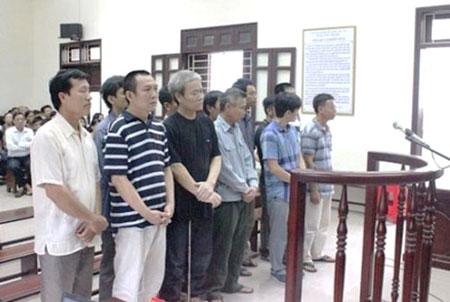 8 năm tù cho trùm buôn lậu xăng dầu lớn nhất xứ Thanh - Ảnh 1