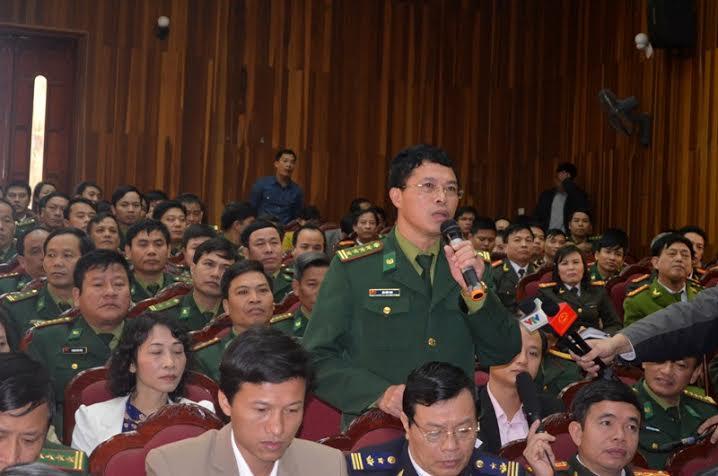 Chủ tịch Quốc hội tiếp xúc cử tri với lực lượng vũ trang Hà Tĩnh - Ảnh 2