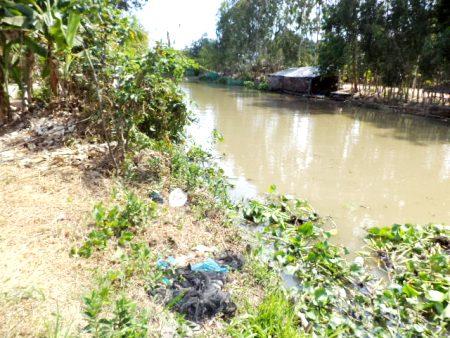 Đau lòng bé lớp 2 bị hàng xóm hiếp, giết thả sông phi tang - Ảnh 1