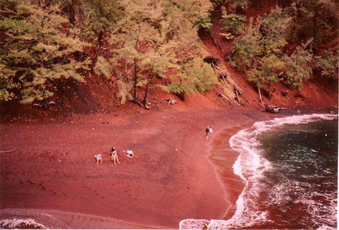 Khám phá 7 bãi biển có màu cát đẹp nhất thế giới - Ảnh 3