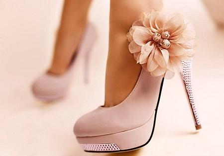 Tại sao phụ nữ dành tình yêu bất diệt cho giày cao gót? - Ảnh 1