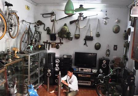 Chuyện về thầy giáo trẻ và bộ sưu tập kỷ vật chiến tranh - Ảnh 1