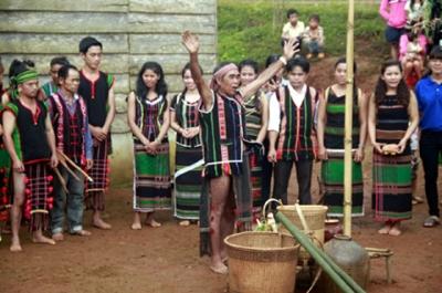 Đặc sắc văn hóa M'nông qua phục dựng lễ cúng mưa đầu mùa - Ảnh 1