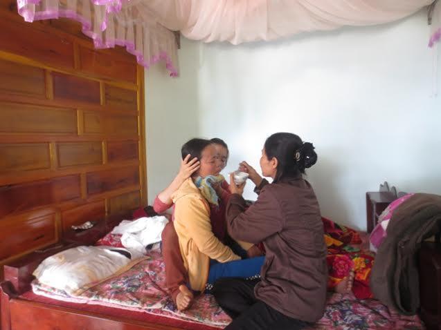 Tai nạn thảm khốc ở Thanh Hóa: Tang thương bao trùm vùng quê nghèo - Ảnh 2