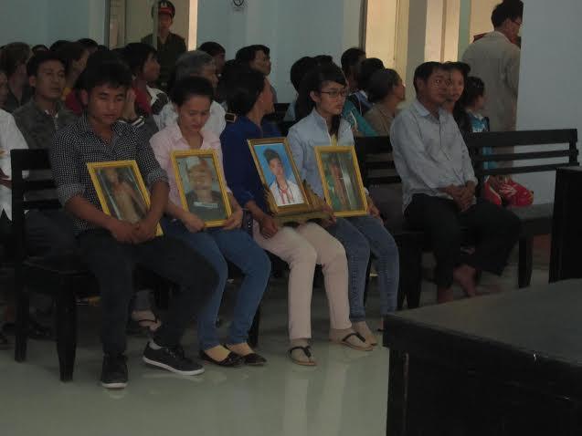 Vụ công an đánh chết học sinh: Tòa phúc thẩm hủy toàn bộ bản án sơ thẩm - Ảnh 2