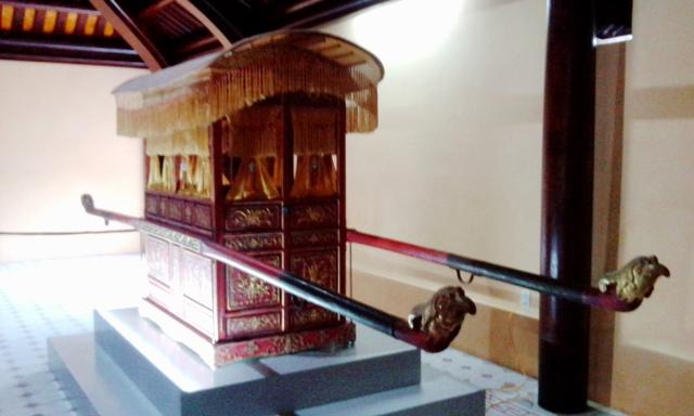 Trưng bày chiếc xe kéo tay của Hoàng thái hậu Từ Minh sau 108 năm lưu lạc - Ảnh 3