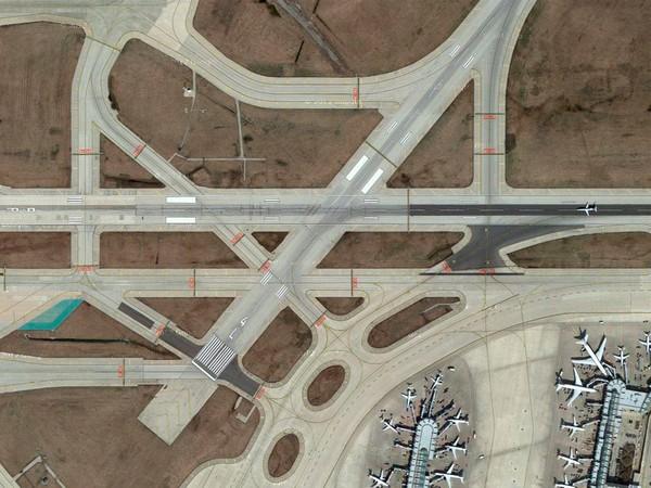"""Giải mã những kí tự """"bí ẩn"""" trên đường băng ở tất cả các sân bay - Ảnh 8"""