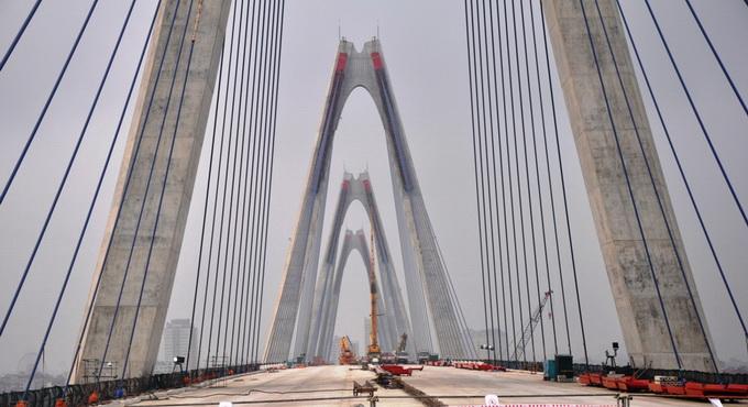 Hợp long cây cầu bắc qua sông Hồng dài nhất Hà Nội - Ảnh 7