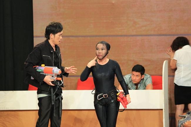 Ơn giời, cậu đây rồi: Hoài Linh lo Hari Won không hiểu tiếng Việt - Ảnh 3