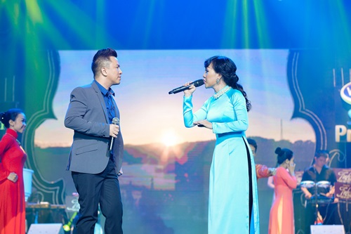 Danh ca Phương Dung, Ngọc Sơn tỏa sáng trong đêm nhạc bolero - Ảnh 5