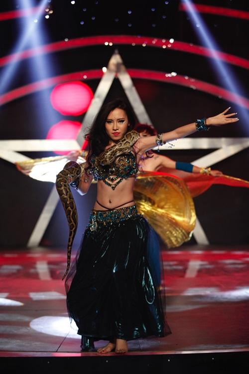 Vietnam's Got Talent: Vân Hugo, Thúy Hạnh thích mê nhóm 6 múi - Ảnh 6
