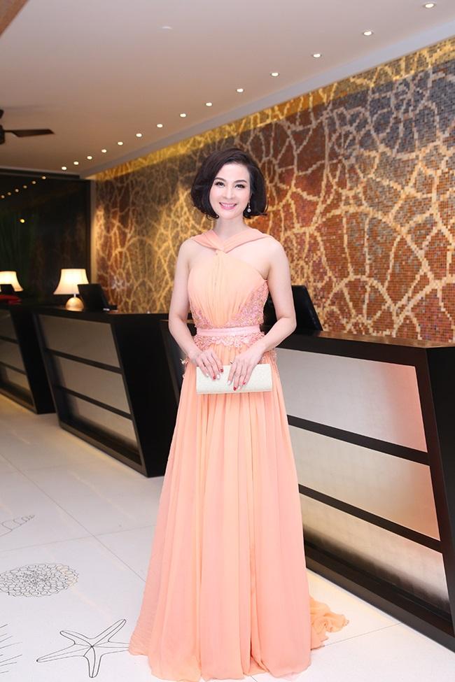 Minh Hằng, Sơn Tùng đoạt giải mỹ nhân - mỹ nam của năm - Ảnh 16