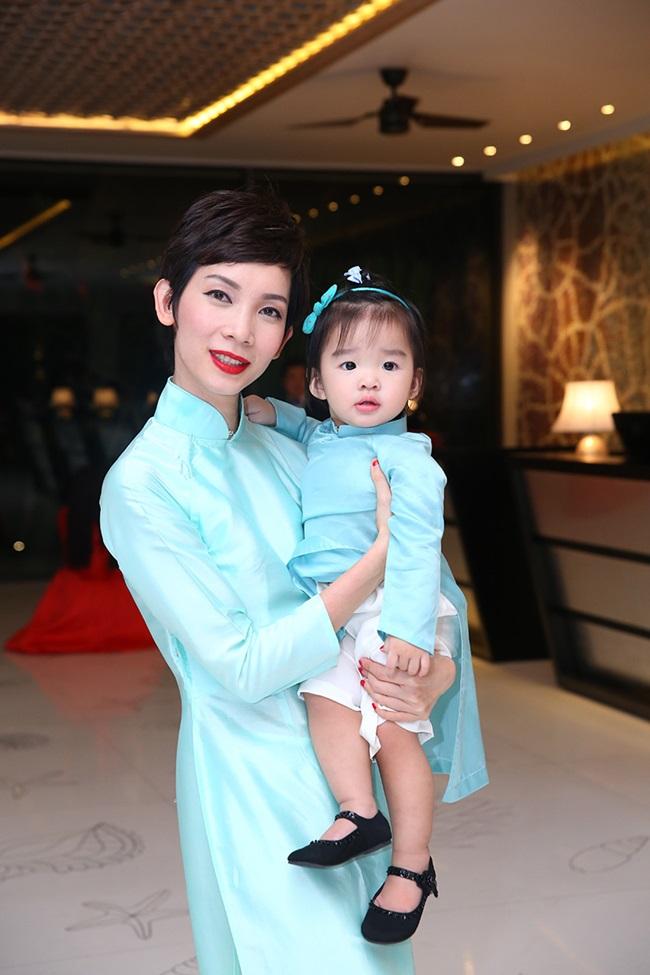 Minh Hằng, Sơn Tùng đoạt giải mỹ nhân - mỹ nam của năm - Ảnh 13