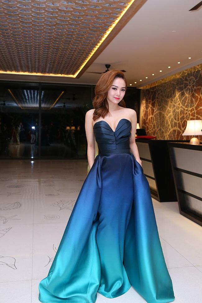 Minh Hằng, Sơn Tùng đoạt giải mỹ nhân - mỹ nam của năm - Ảnh 2