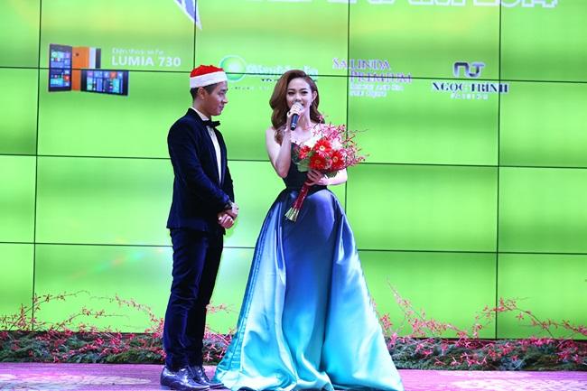 Minh Hằng, Sơn Tùng đoạt giải mỹ nhân - mỹ nam của năm - Ảnh 1